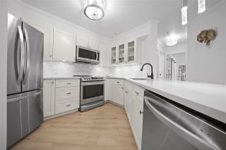 Photo 1: 301 150 W 22ND Street in North Vancouver: Central Lonsdale Condo for sale : MLS®# R2462253