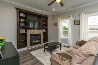 """Photo 3: 7333 194 Street in Surrey: Clayton House for sale in """"Clayton"""" (Cloverdale)  : MLS®# R2173578"""