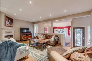 Photo 2: 1967 CEDAR VILLAGE Crescent in North Vancouver: Westlynn Townhouse for sale : MLS®# R2355818