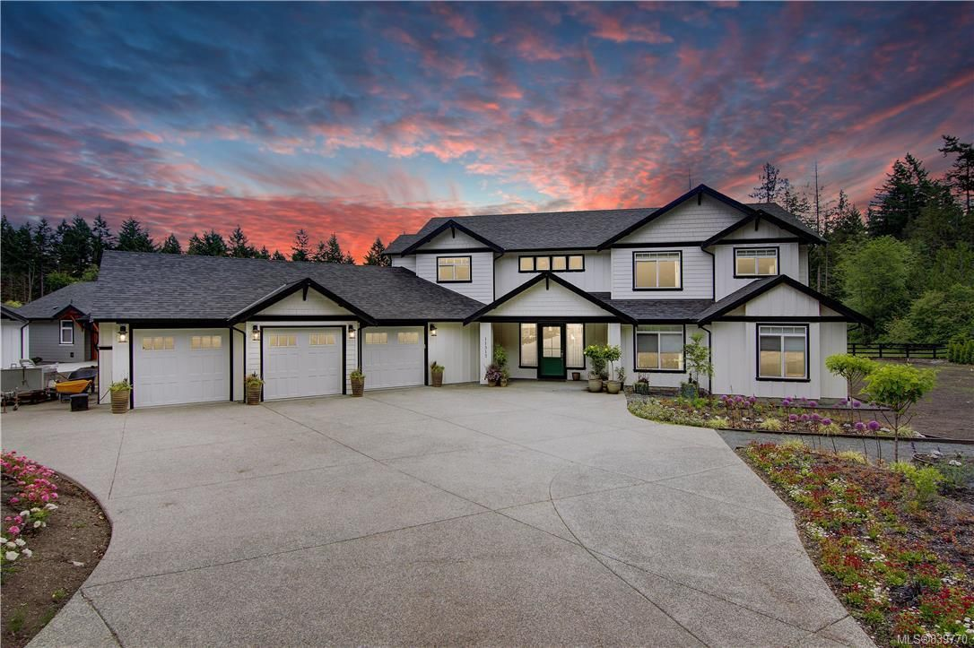 Main Photo: 11317 Hummingbird Pl in North Saanich: NS Lands End House for sale : MLS®# 839770