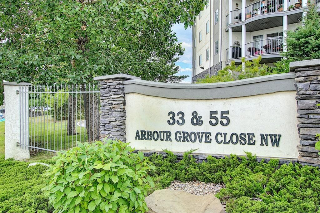 Welcome to 33 Arbour Grove Close NW!