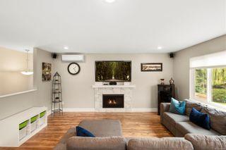 Photo 3: 1015 Leeds Pl in : SE Quadra House for sale (Saanich East)  : MLS®# 858486