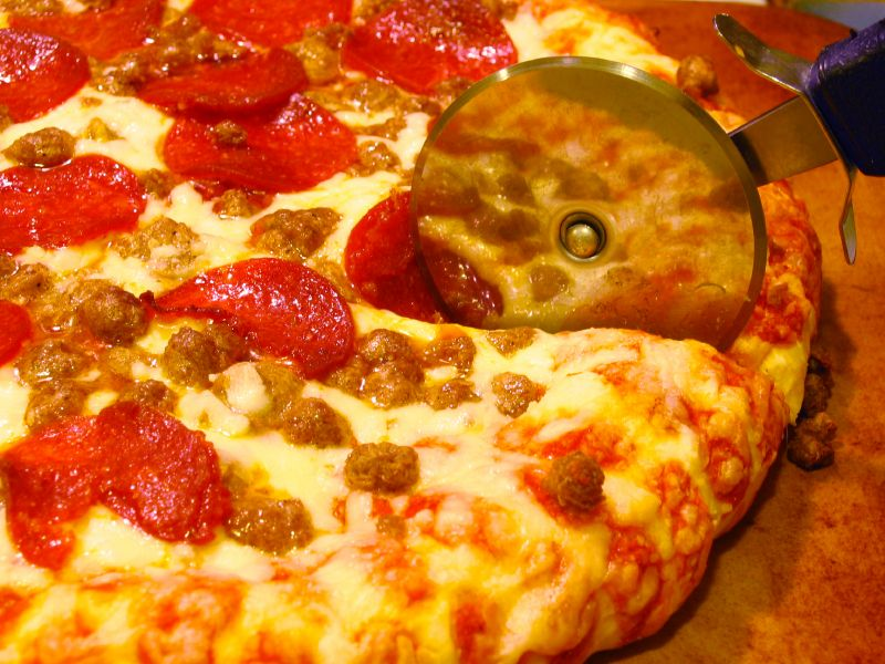 Main Photo: Pizza Restaurants for Sale in Calgary | robcampbell.ca