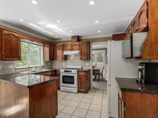 Photo 9: 5908 Boundary Place in Surrey: Panorama Ridge House for sale