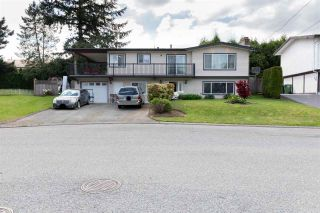 Photo 1: 2035 RIDGEWAY Street in Abbotsford: Abbotsford West House for sale : MLS®# R2581597