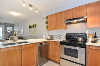 """Photo 3: 110 15621 MARINE Drive: White Rock Condo for sale in """"PACIFIC POINT"""" (South Surrey White Rock)  : MLS®# R2348468"""