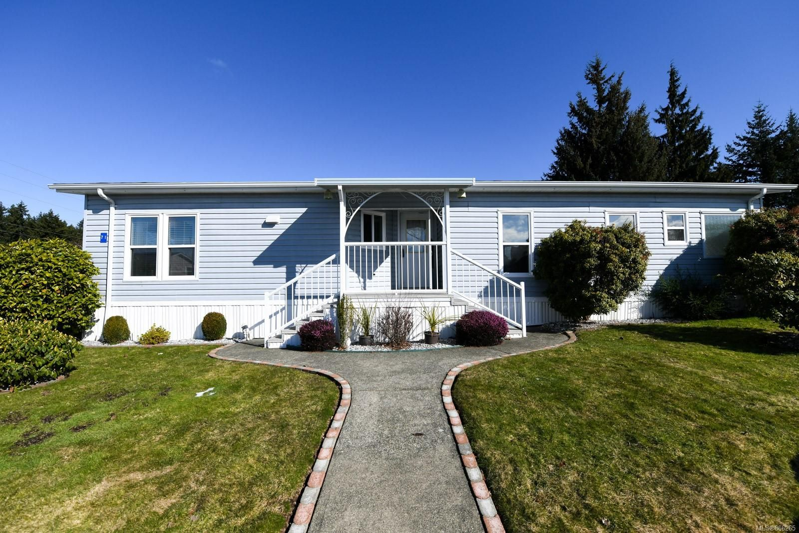 Main Photo: 71 4714 Muir Rd in : CV Courtenay East Manufactured Home for sale (Comox Valley)  : MLS®# 866265