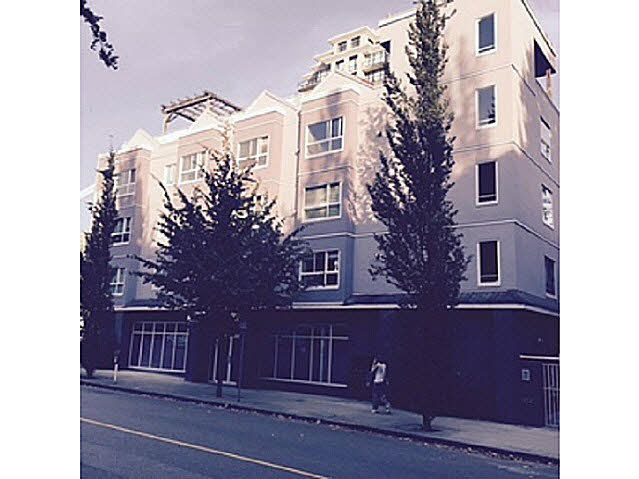 """Main Photo: 202 624 AGNES Street in NEW WEST: Downtown NW Condo for sale in """"MCKENZIE STEPS"""" (New Westminster)  : MLS®# V1139151"""