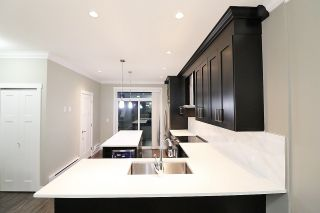 Photo 5: 20 13670 62 AVENUE in Surrey: Sullivan Station Townhouse for sale : MLS®# R2226296