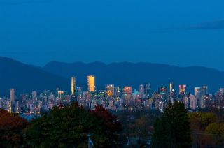 Photo 1: 4177 W 12TH Avenue in Vancouver: Point Grey House for sale (Vancouver West)  : MLS®# R2308722