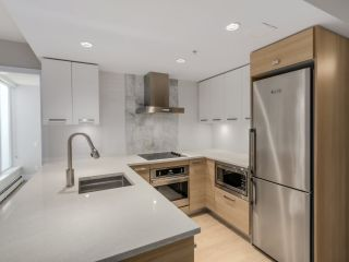 """Photo 5: 221 1783 MANITOBA Street in Vancouver: False Creek Condo for sale in """"Residences at West"""" (Vancouver West)  : MLS®# R2055907"""