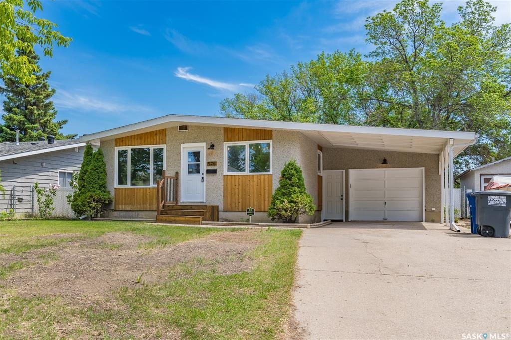 Main Photo: 526 Vancouver Avenue North in Saskatoon: Mount Royal SA Residential for sale : MLS®# SK858690