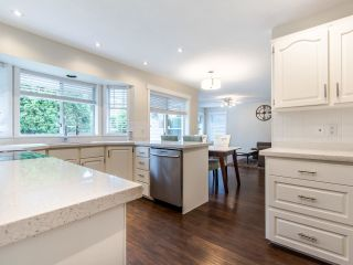 Photo 7: 15676 94A Avenue in Surrey: Fleetwood Tynehead House for sale : MLS®# R2416353