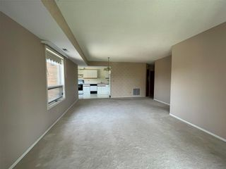 Photo 7: 404 1840 Henderson Highway in Winnipeg: North Kildonan Condominium for sale (3G)  : MLS®# 202113212
