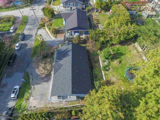 Photo 18: 5050 RANGER AVENUE in North Vancouver: Canyon Heights NV House for sale : MLS®# R2157779