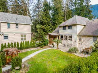 Photo 5: 800 HOT SPRINGS Road: Harrison Hot Springs House for sale : MLS®# R2583449