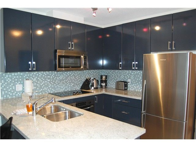 """Main Photo: 1602 1188 W PENDER Street in Vancouver: Coal Harbour Condo for sale in """"THE SAPPHIRE"""" (Vancouver West)  : MLS®# V1035875"""