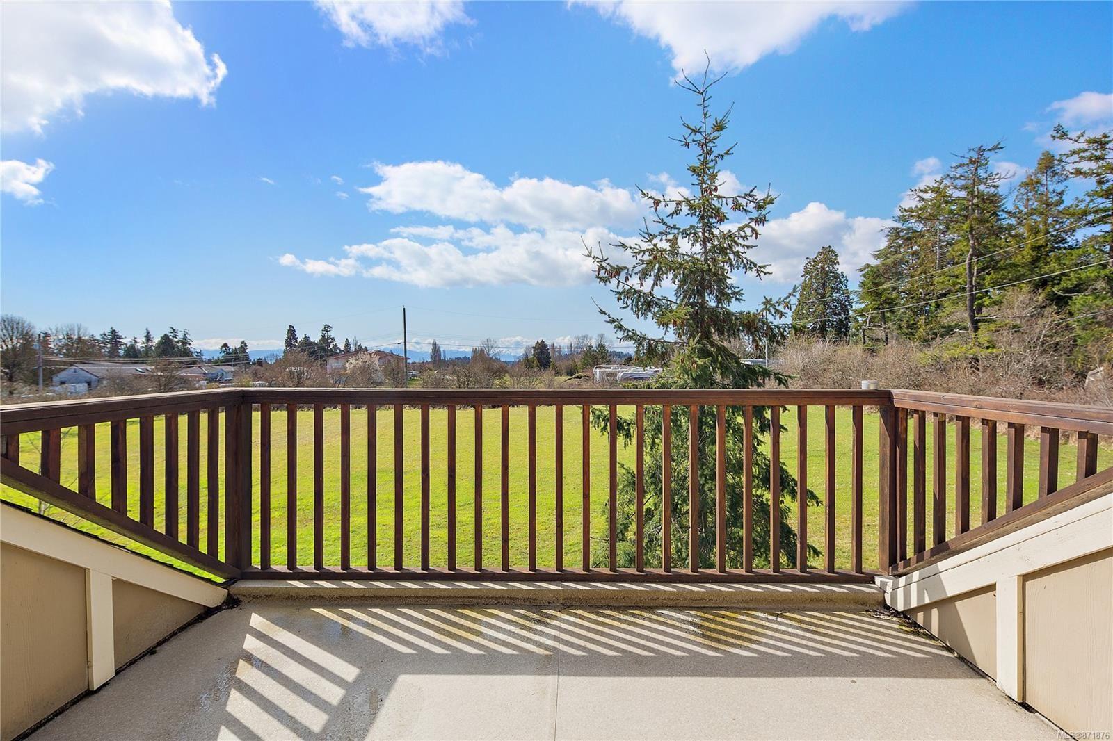 Photo 44: Photos: 4420 Wilkinson Rd in : SW Royal Oak House for sale (Saanich West)  : MLS®# 871876