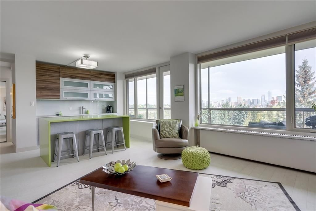 Main Photo: 702 3339 RIDEAU Place SW in Calgary: Rideau Park Apartment for sale : MLS®# C4266396