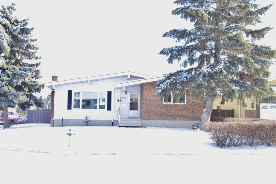 Main Photo: 16225 114a Street NW in Edmonton: Zone 27 House for sale : MLS®# E4228730