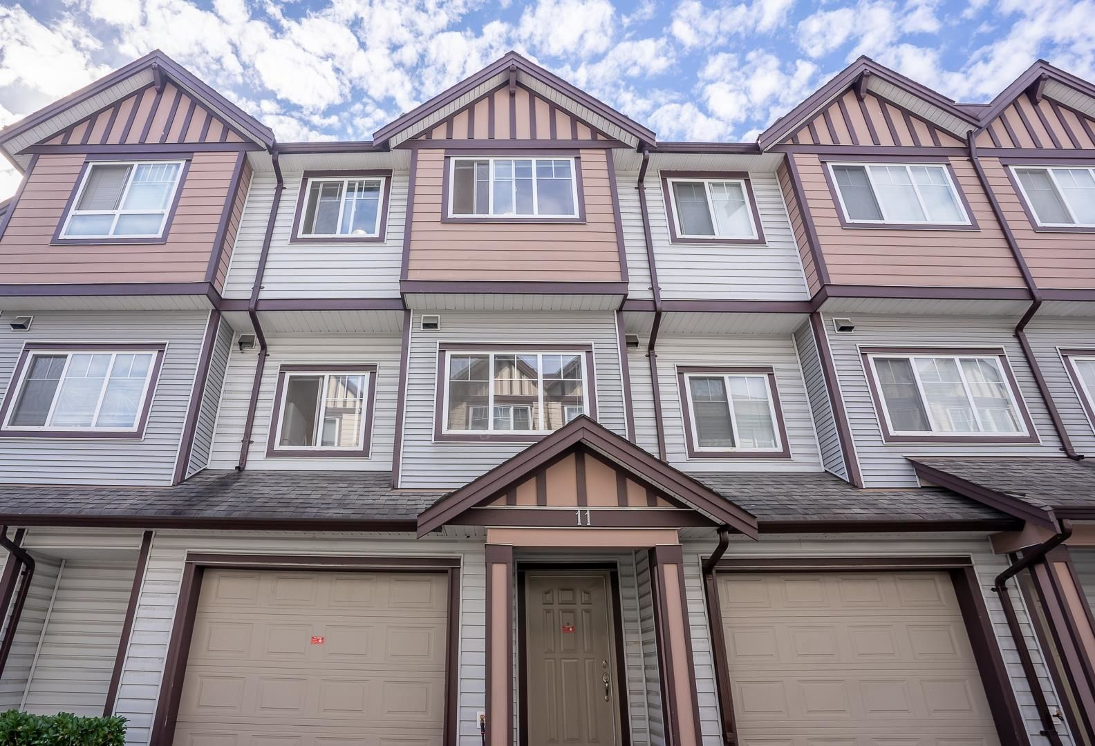Main Photo: 11 7700 ABERCROMBIE Drive in Richmond: Brighouse South Townhouse for sale : MLS®# R2617085