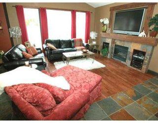 Photo 2: 1662 KNAPPEN ST in Port Coquitlam: Condo for sale : MLS®# V884095