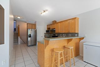 Photo 4: 8415 156 Ave NW in Edmonton: Zone 28 House Half Duplex for sale : MLS®# E4248433