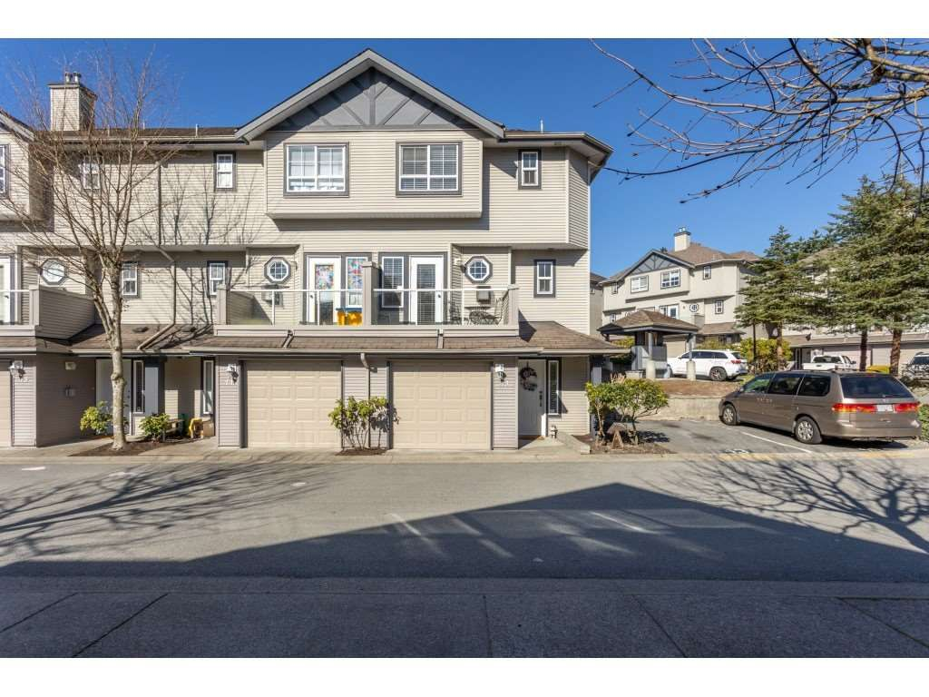 "Main Photo: 43 11229 232 Street in Maple Ridge: East Central Townhouse for sale in ""FOXFIELD"" : MLS®# R2566585"