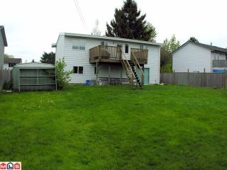 Photo 10: 17469 63A Avenue in Surrey: Cloverdale BC House for sale (Cloverdale)  : MLS®# F1013058