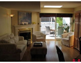 """Photo 4: 15134 BEACHVIEW Avenue in White_Rock: White Rock Townhouse for sale in """"KULEANA TOWNHOMES"""" (South Surrey White Rock)  : MLS®# F2824762"""