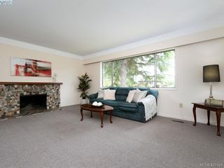 Photo 2: 1703 Sprucewood Pl in VICTORIA: SE Lambrick Park House for sale (Saanich East)  : MLS®# 841573
