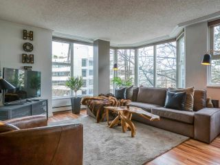 """Photo 5: 304 522 MOBERLY Road in Vancouver: False Creek Condo for sale in """"DISCOVERY QUAY"""" (Vancouver West)  : MLS®# R2550846"""