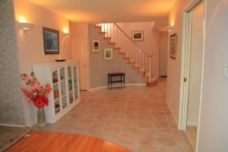 Photo 10: 1462 Cardinal Lane in White Rock: Home for sale