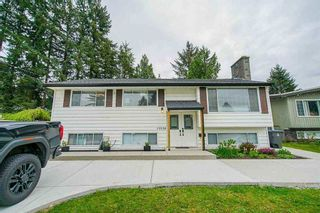 """Photo 3: 15054 CANARY Drive in Surrey: Bolivar Heights House for sale in """"Birdland"""" (North Surrey)  : MLS®# R2576273"""