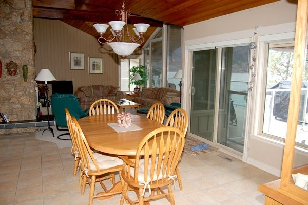 Photo 9: Photos: 4021 Lakeside Road in Penticton: Penticton South Residential Detached for sale : MLS®# 136028
