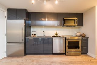 """Photo 10: 401 233 KINGSWAY in Vancouver: Mount Pleasant VE Condo for sale in """"YVA"""" (Vancouver East)  : MLS®# R2604480"""