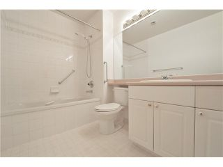 """Photo 18: 412 1785 MARTIN Drive in Surrey: Sunnyside Park Surrey Condo for sale in """"SOUTHWYND"""" (South Surrey White Rock)  : MLS®# F1419891"""