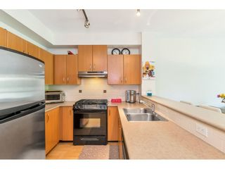 "Photo 7: 427 801 KLAHANIE Drive in Port Moody: Port Moody Centre Condo for sale in ""Wynford"" : MLS®# R2502588"
