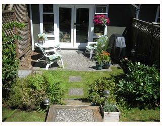 Photo 1: 1858 W 10TH Avenue in Vancouver: Kitsilano Townhouse for sale (Vancouver West)  : MLS®# V719733
