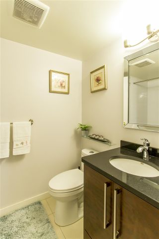 """Photo 10: 1603 3980 CARRIGAN Court in Burnaby: Government Road Condo for sale in """"DISCOVERY PLACE"""" (Burnaby North)  : MLS®# R2413683"""