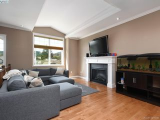 Photo 2: 1284 Kingfisher Pl in VICTORIA: La Langford Lake House for sale (Langford)  : MLS®# 837403