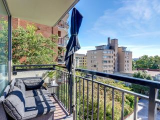 """Photo 8: 404 1534 HARWOOD Street in Vancouver: West End VW Condo for sale in """"St Pierre"""" (Vancouver West)  : MLS®# R2609821"""