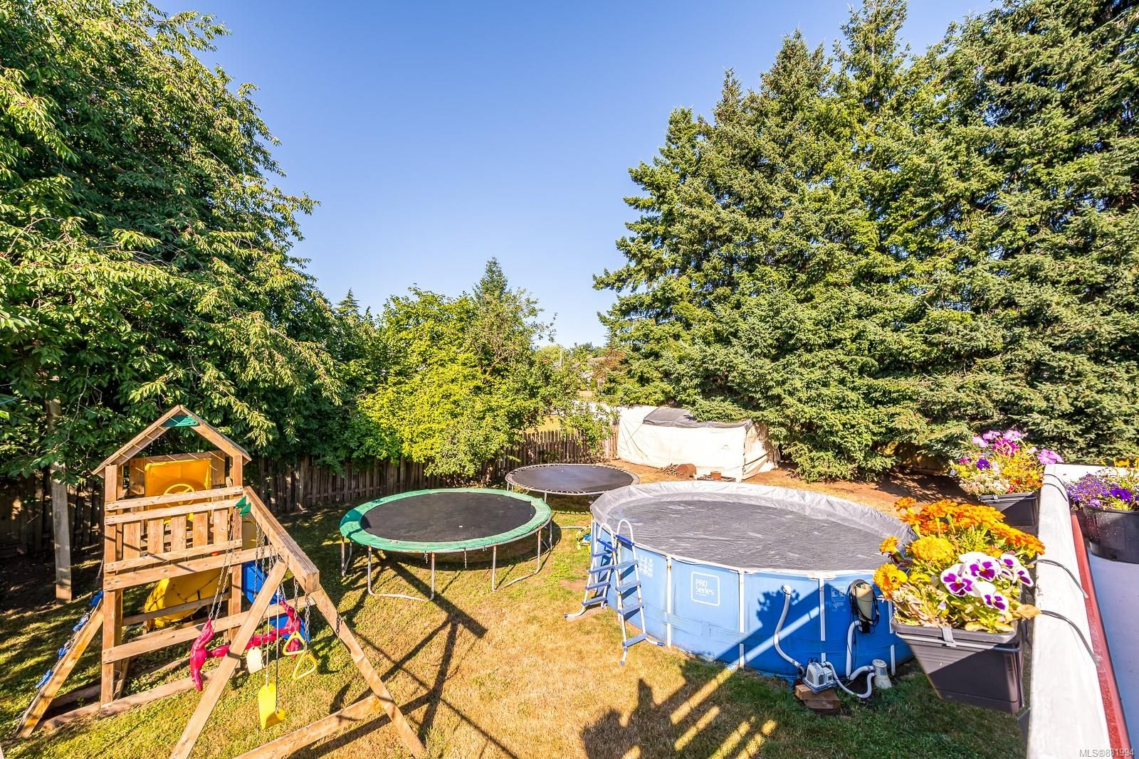 Photo 19: Photos: 1935 Fitzgerald Ave in : CV Courtenay City House for sale (Comox Valley)  : MLS®# 881994