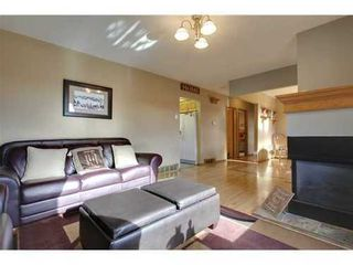 Photo 5: 4 HAULTAIN Place SW in Calgary: Bungalow for sale : MLS®# C3545547
