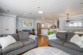 """Photo 7: 850 PARKER Street: White Rock House for sale in """"EAST BEACH"""" (South Surrey White Rock)  : MLS®# R2587340"""