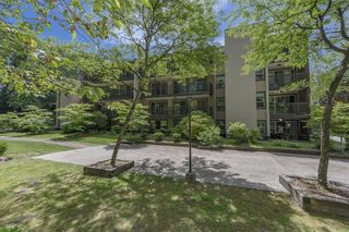"""Photo 2: 506 9867 MANCHESTER Drive in Burnaby: Cariboo Condo for sale in """"BARCLAY WOODS"""" (Burnaby North)  : MLS®# R2594808"""