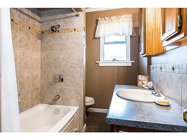 """Photo 8: Photos: 1063 SEVENTH Avenue in New Westminster: Moody Park House for sale in """"MOODY PARK"""" : MLS®# V1090839"""
