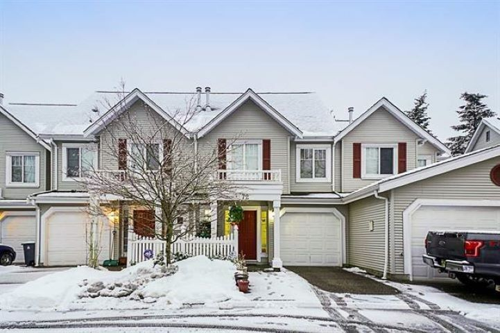 Main Photo: 72 13499 92 Avenue in Surrey: Queen Mary Park Surrey Townhouse for sale : MLS®# R2386432
