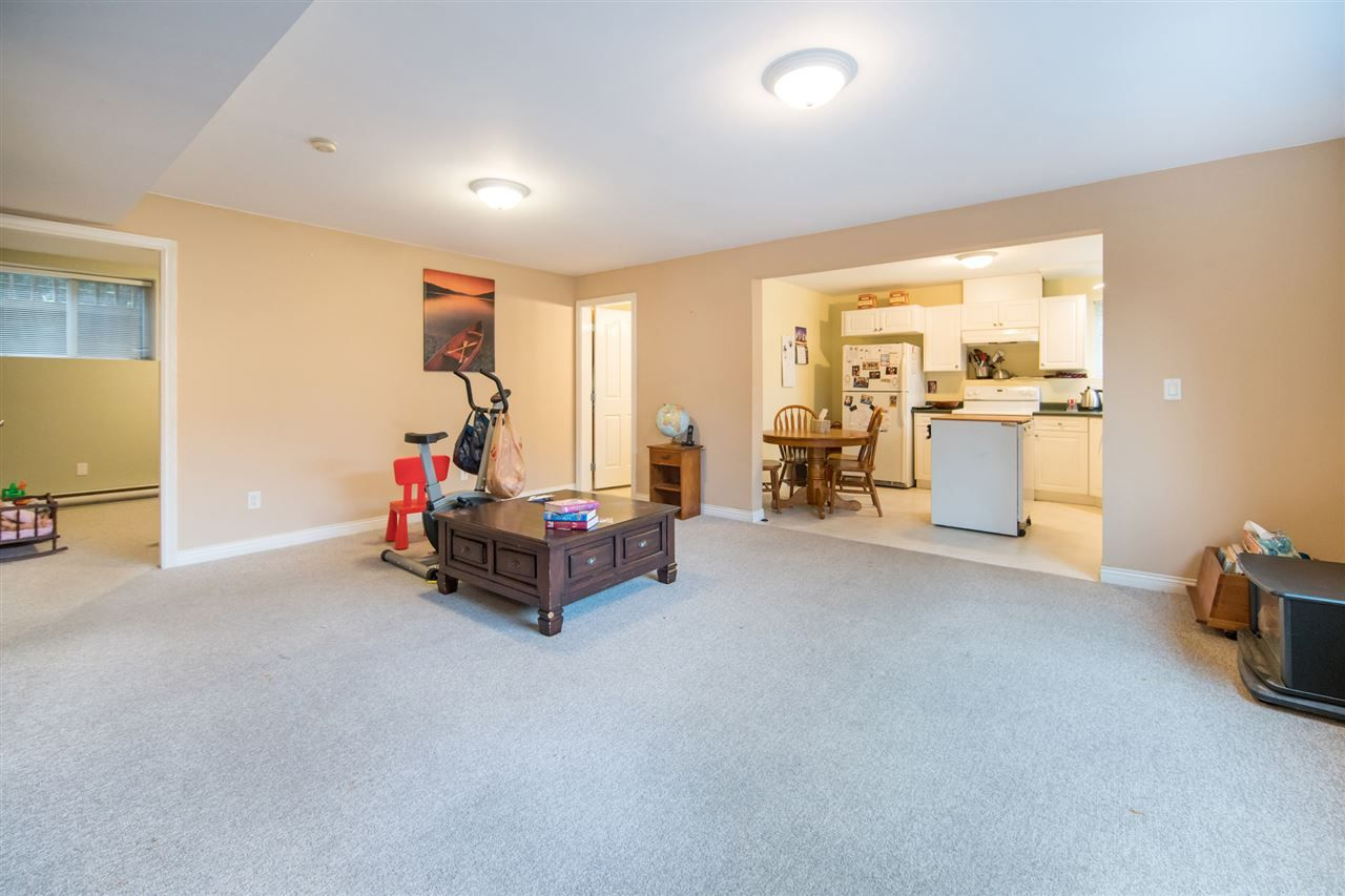 Photo 13: Photos: 2403 DAWES HILL Road in Coquitlam: Coquitlam East House for sale : MLS®# R2197337