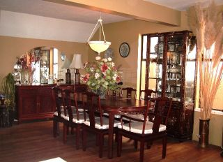 Photo 2: 15123 Columbia Ave in White Rock: Home for sale